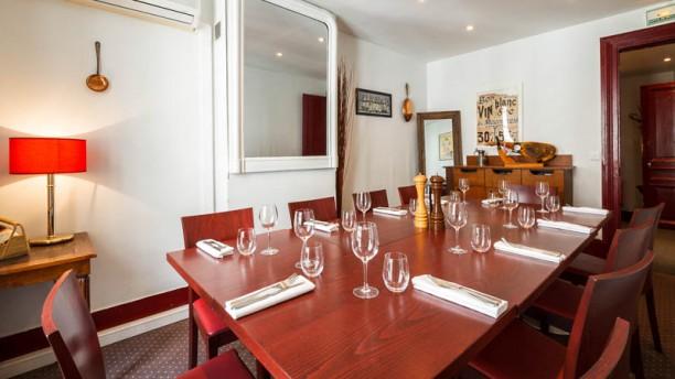 Restaurant l 39 atelier du march paris 75017 arc de for Salon porte maillot