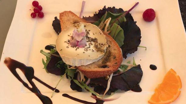Le Basilic Salade de chèvre