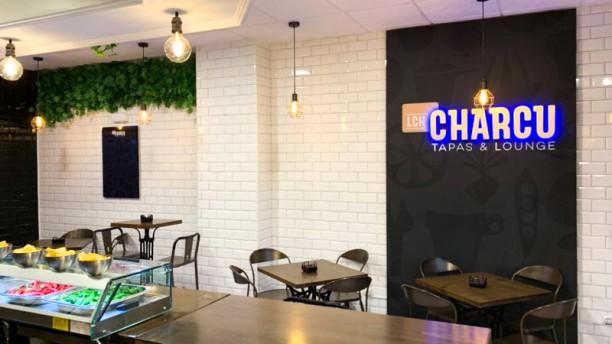 Lch Charcu Tapas & Lounge Sala