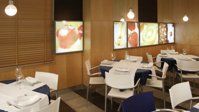 Vista sala - Well Food, Madrid