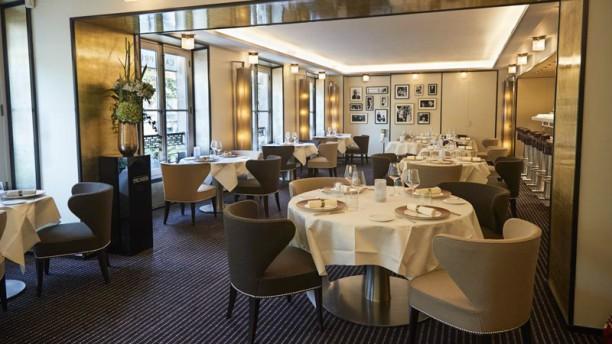 Café Prunier La salle de restaurant