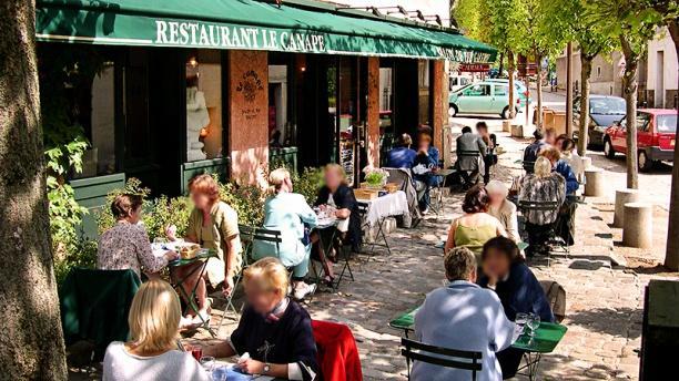 Restaurant le canap gif sur yvette menu avis prix for Restaurant canape