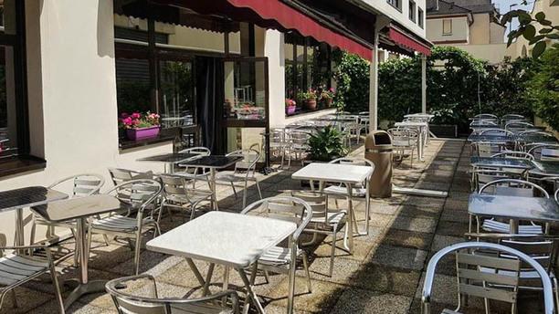 Café sur Seine Terrasse