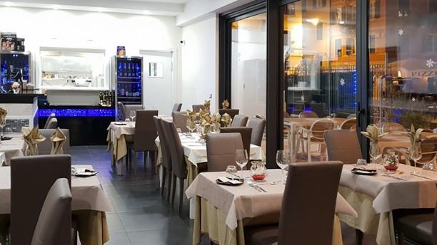 Fish House Restaurant Vista della sala