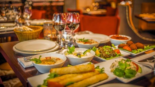 Restaurant lebanon meza lounge stockholm menu avis for T s dining and lounge virden menu