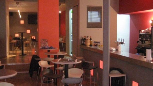 Le Dada Café Salle du restaurant