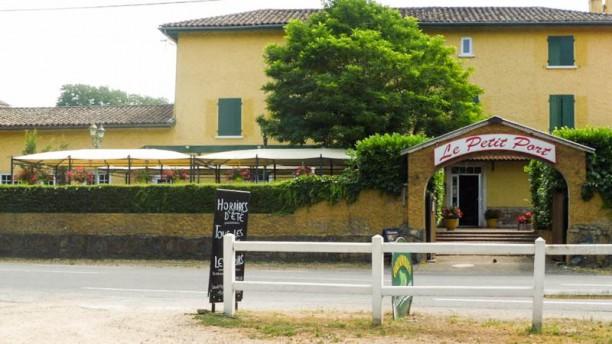 Le Petit Port Façade du restaurant