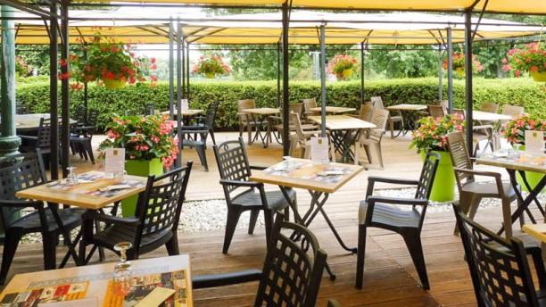 Adresse Restaurant Le Petit Port  Ef Bf Bdfareins
