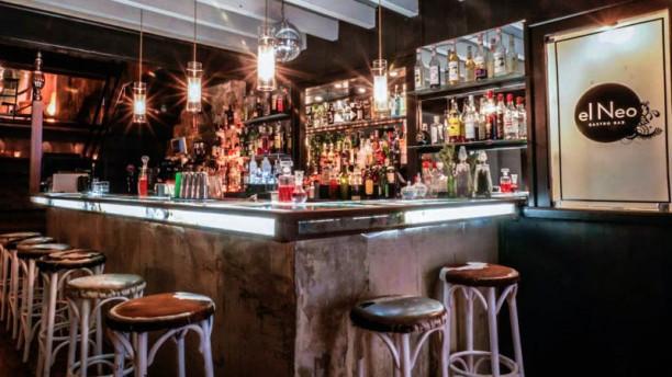 El Neo - Tapas & Cocktails El bar