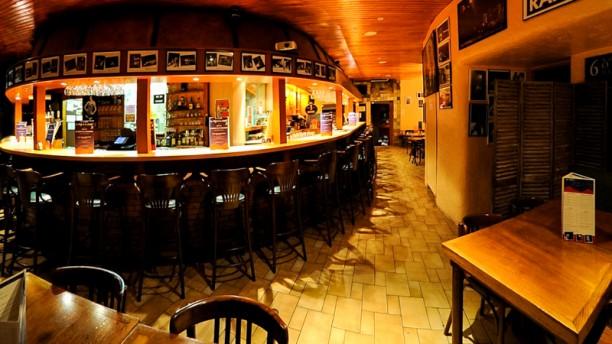 le puy de la lune restaurant 3 rue de la michodi re 63000 clermont ferrand adresse horaire. Black Bedroom Furniture Sets. Home Design Ideas