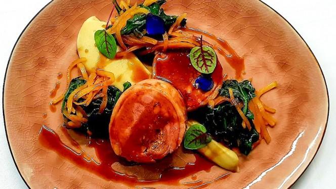 Selle d'Agneau farcie aux girolles,purée de céleri ,Tétragone - Le H - Restaurant by Hermitage Gantois, Lille