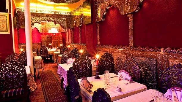 Restaurant au palais du grand moghol paris 9 me for Salon indien