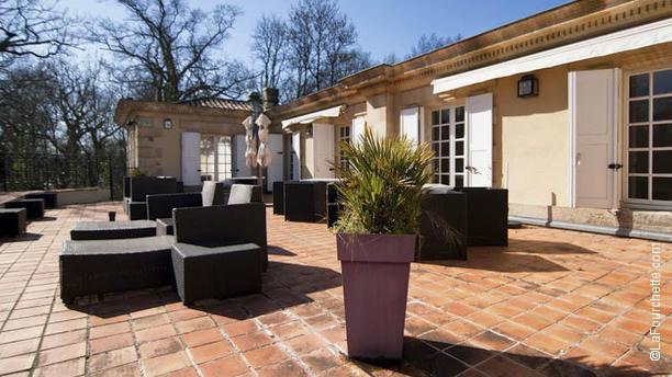 La Réserve au Pavillon du Château Raba terrasse