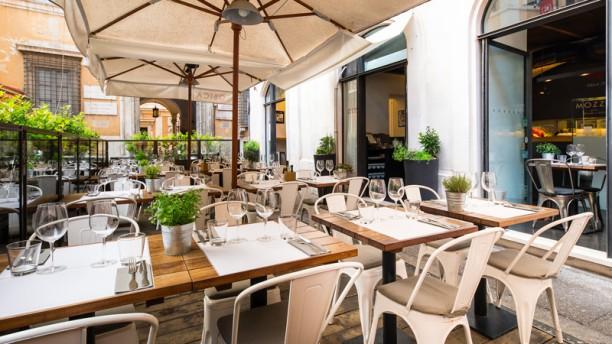 Restaurant obica mozzarella bar parlamento rome menu for Parlamento rome