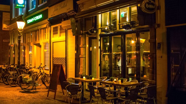 Tierney's Irish Pub & Restaurant Ingang