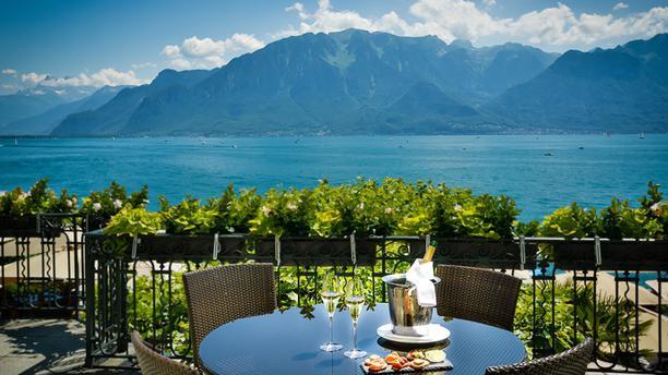 Les Trois Couronnes - Restaurant Gastronomique Terrasse