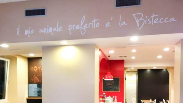 RoyalBeef - Wine Bar and Restaurant Grill entrata