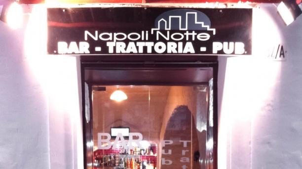 Napoli Notte entrata