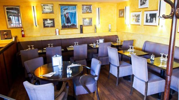 Gamma Cafe Vue de la salle