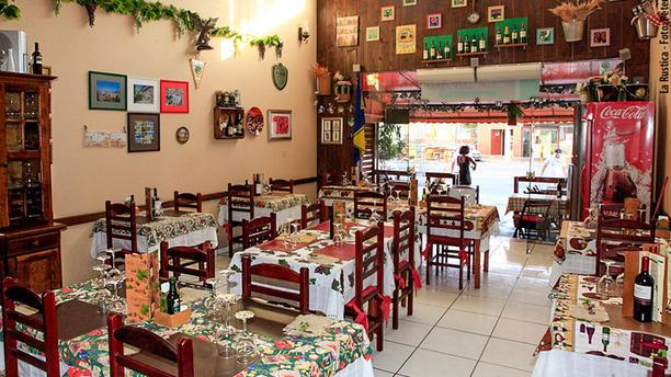 La Rustica Cantina Italiana Restaurante
