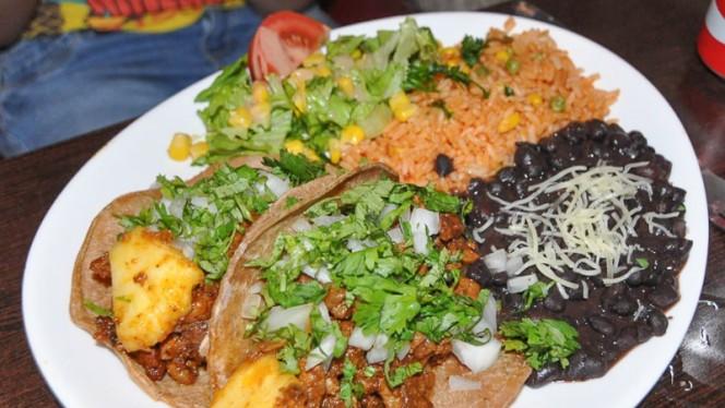 Tacos al pastor - Azteca, Paris