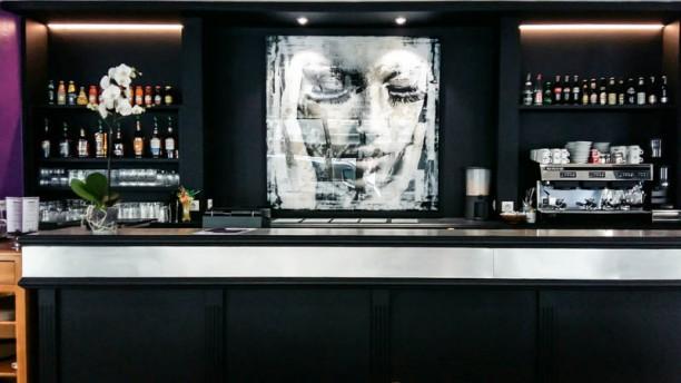 i Touch Coffee Vue de la salle