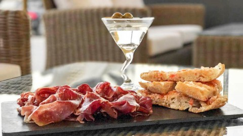 Naunet Lounge Bar, Premia De Mar