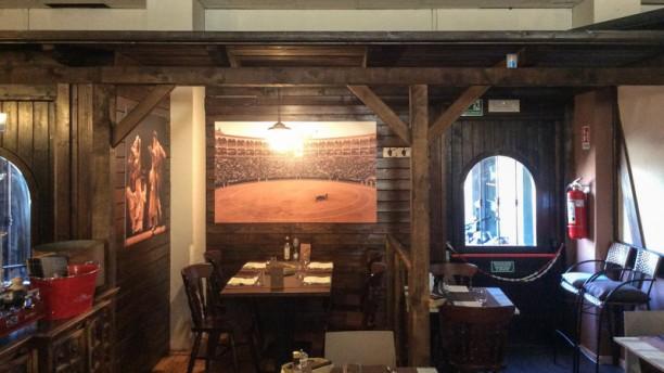 The World Restaurant Interno