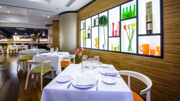Restaurante puerta 57 en madrid castellana santiago for Puerta 53 bernabeu