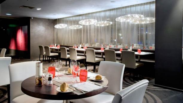 Restaurant c t parvis h tel hilton paris la d fense for Reserver un hotel a paris sans payer