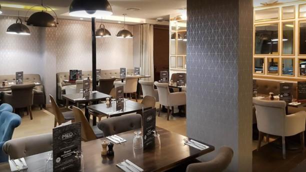 Med Restaurant Vue de la salle