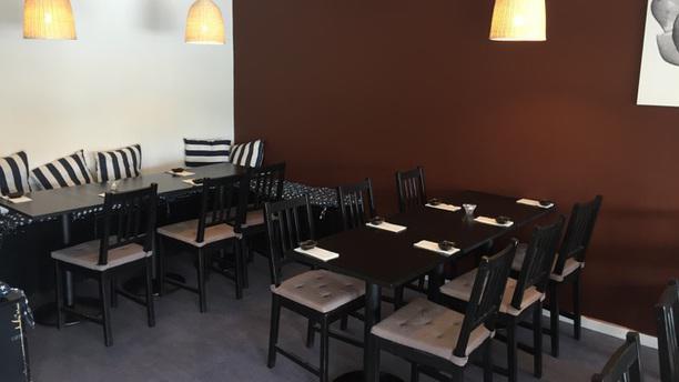 Deng Sushi og Thai rum