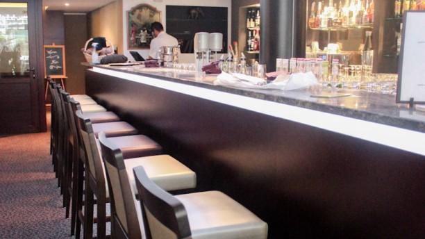 Restaurante gatsby bar restaurant en gen ve opiniones for T s dining and lounge virden menu