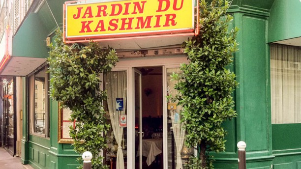 Jardin du kashmir in paris restaurant reviews menu and for Cafe du jardin london