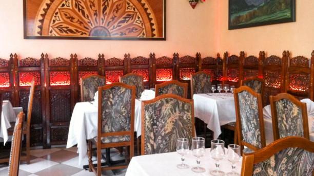 Jardin du kashmir restaurant 60 rue legendre 75017 for Restaurant au jardin paris