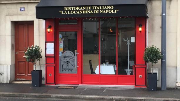 La Locandina di Napoli Devanture La Locandina à Issy les Moulineaux
