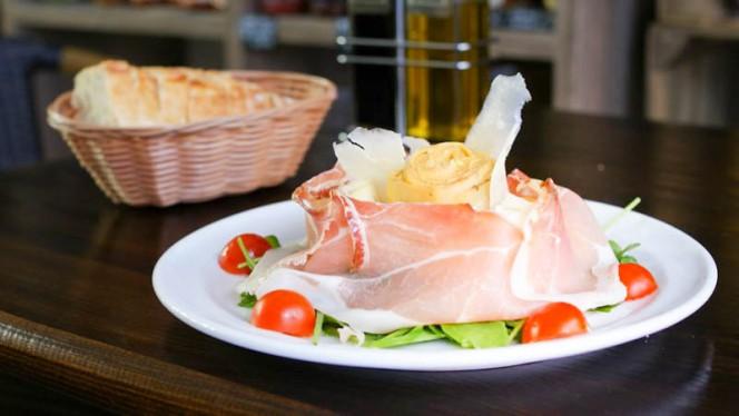 "Salade ""Le speck fait son artishow"" - L'Avventura, Strasbourg"