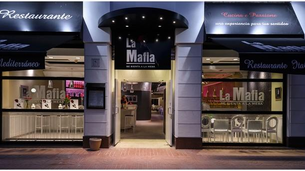La Mafia se Sienta a la Mesa- Cuzco Fachada