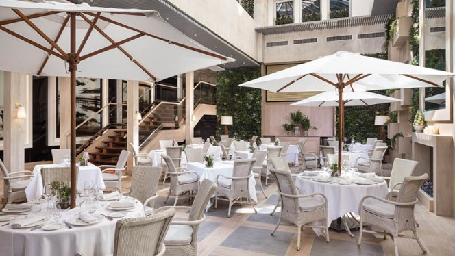 Terraza - L'Albufera - Hotel Meliá Castilla, Madrid
