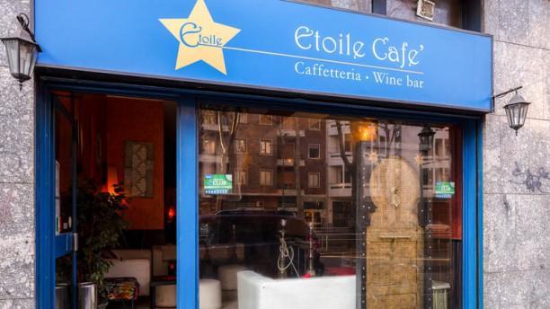 Etoile Cafè Entrata