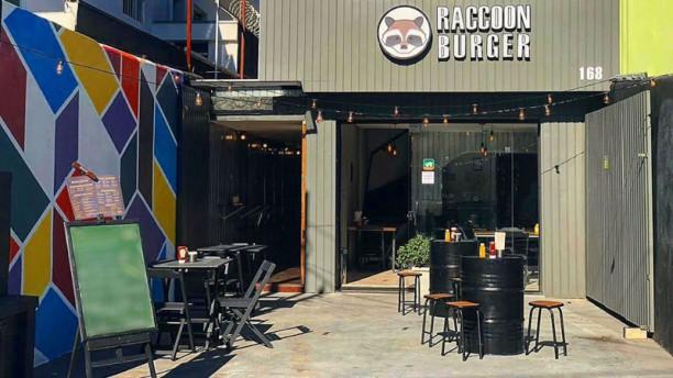 Raccoon Burger Esplanada