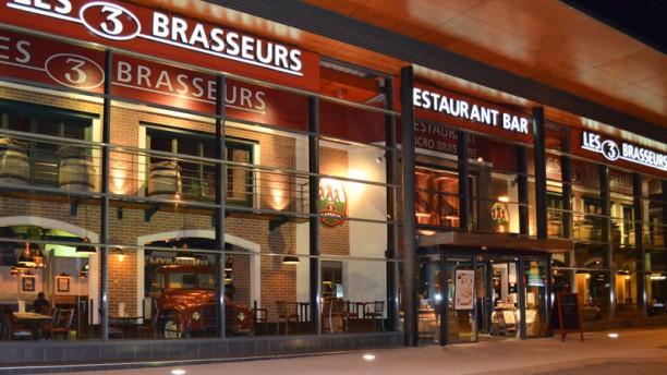 Les 3 Brasseurs Facade restaurant