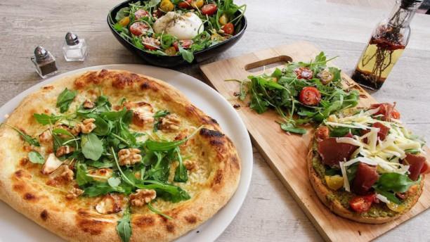Vivo E Basta Bruschetta Bresaola, Salade Burrata et Pizza Miel di capra