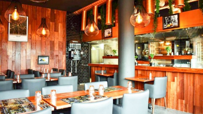 Trust - Restaurant - Créteil