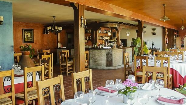 Restaurante Puerto del Emperador Vista sala