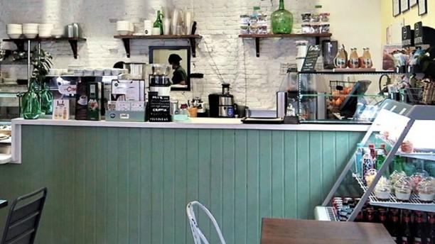 Pinale Coffee Shop & Salad Bar Vista sala