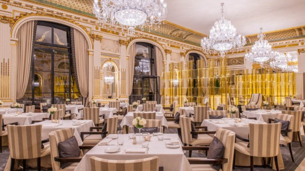 Le lobby the peninsula paris in paris restaurant - La salle a manger paris ...