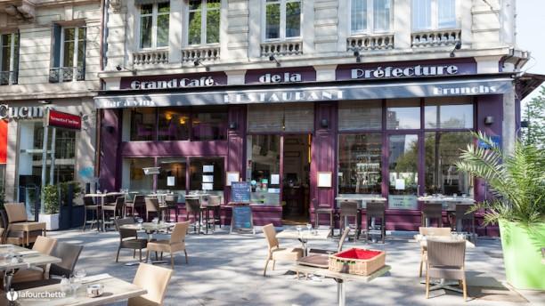 Grand Café de la Préfecture devanture