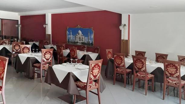Namaste Bharat Indian Restaurant Vista della sala