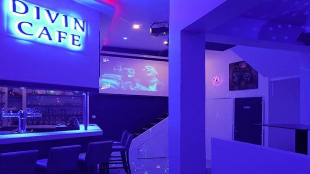 Divin Café Vue de l'intérieur